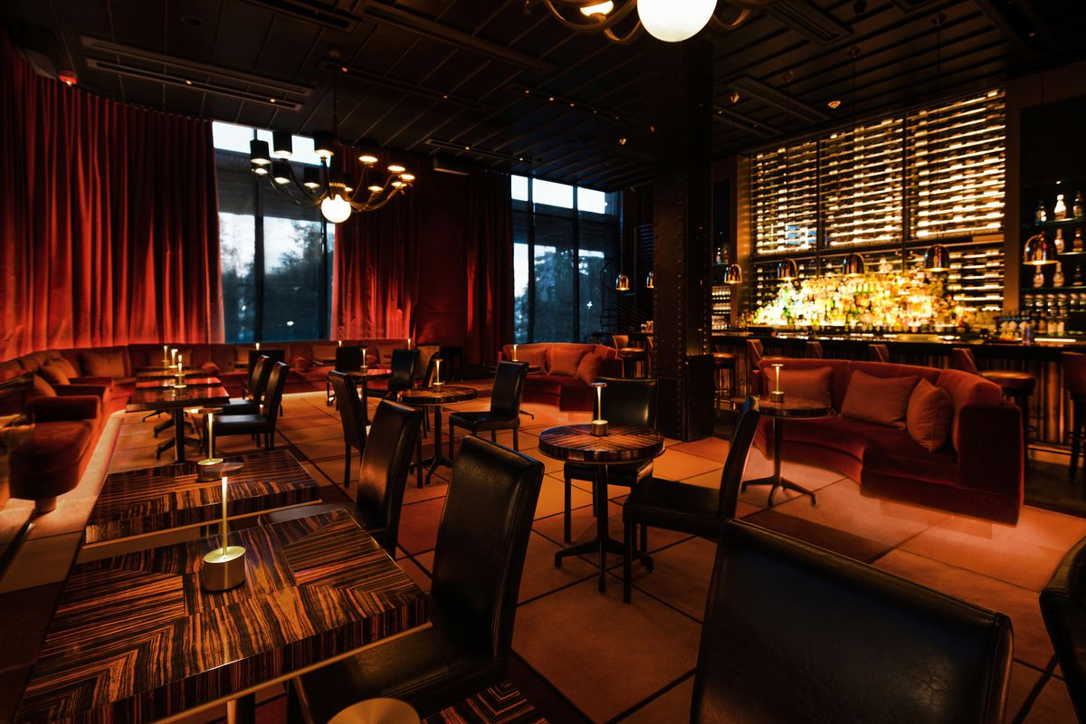 New York Restaurant And Lounge Le Club Opens Today In