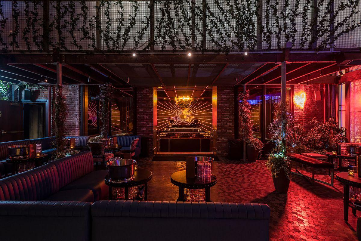 Avenue Hollywood Nightclub Interior 3