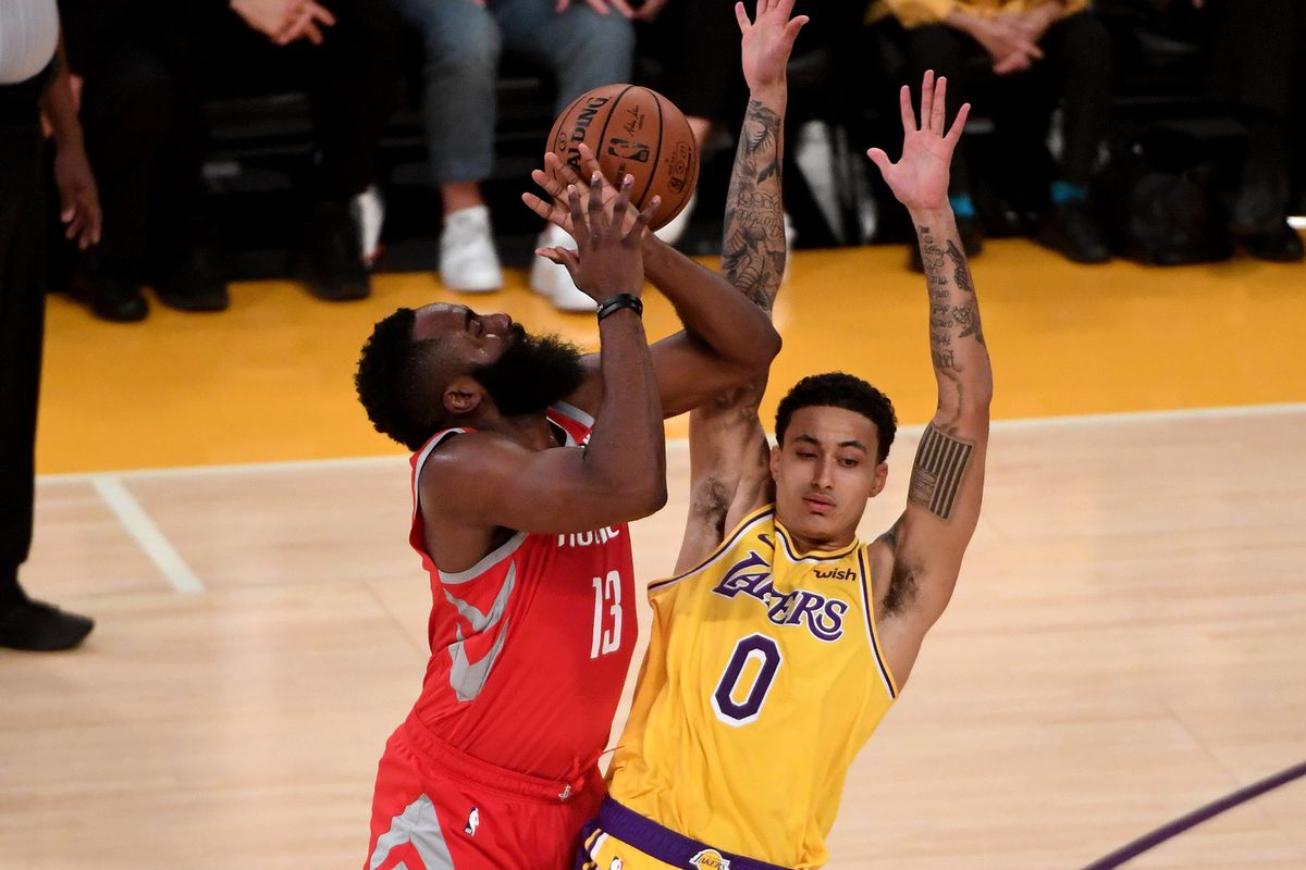 4860a2591 Kyle Kuzma wants to know if he can get fined for tweeting at NBA referees