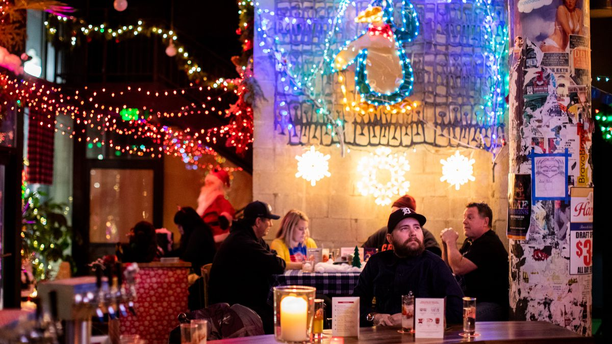 Look Around The Miracle Christmas Bar Pop Up At Park Bar In Detroit