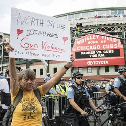 Anti-violence protesters rally outside Wrigley Field   Ashlee Rezin/Sun-Times