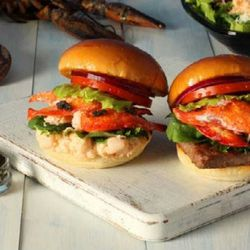 """<a href=""""http://eater.com/archives/2012/08/06/wendys-in-japan-now-serving-burgers-with-lobster-caviar.php"""">Wendy's in Japan Serving Burgers with Lobster & Caviar</a>"""