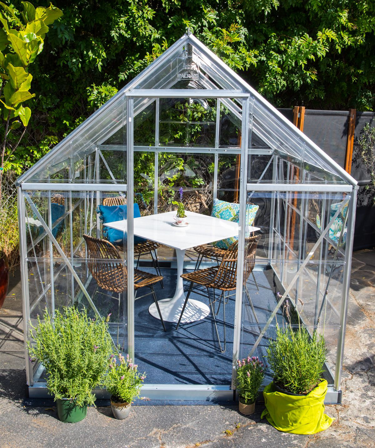 This Echo Park Cafe Is Using Greenhouses For Socially Distant Outdoor Dining Eater La