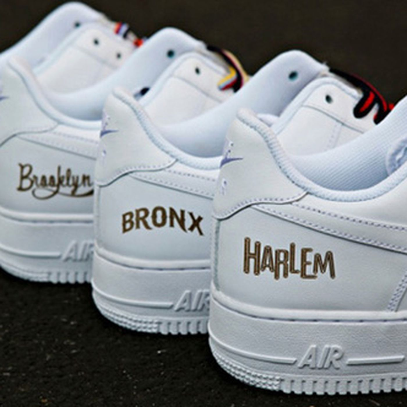 buscar genuino zapatos para baratas 60% barato Nike's Borough-Themed Sneakers Include Harlem, Snub Staten Island - Racked  NY
