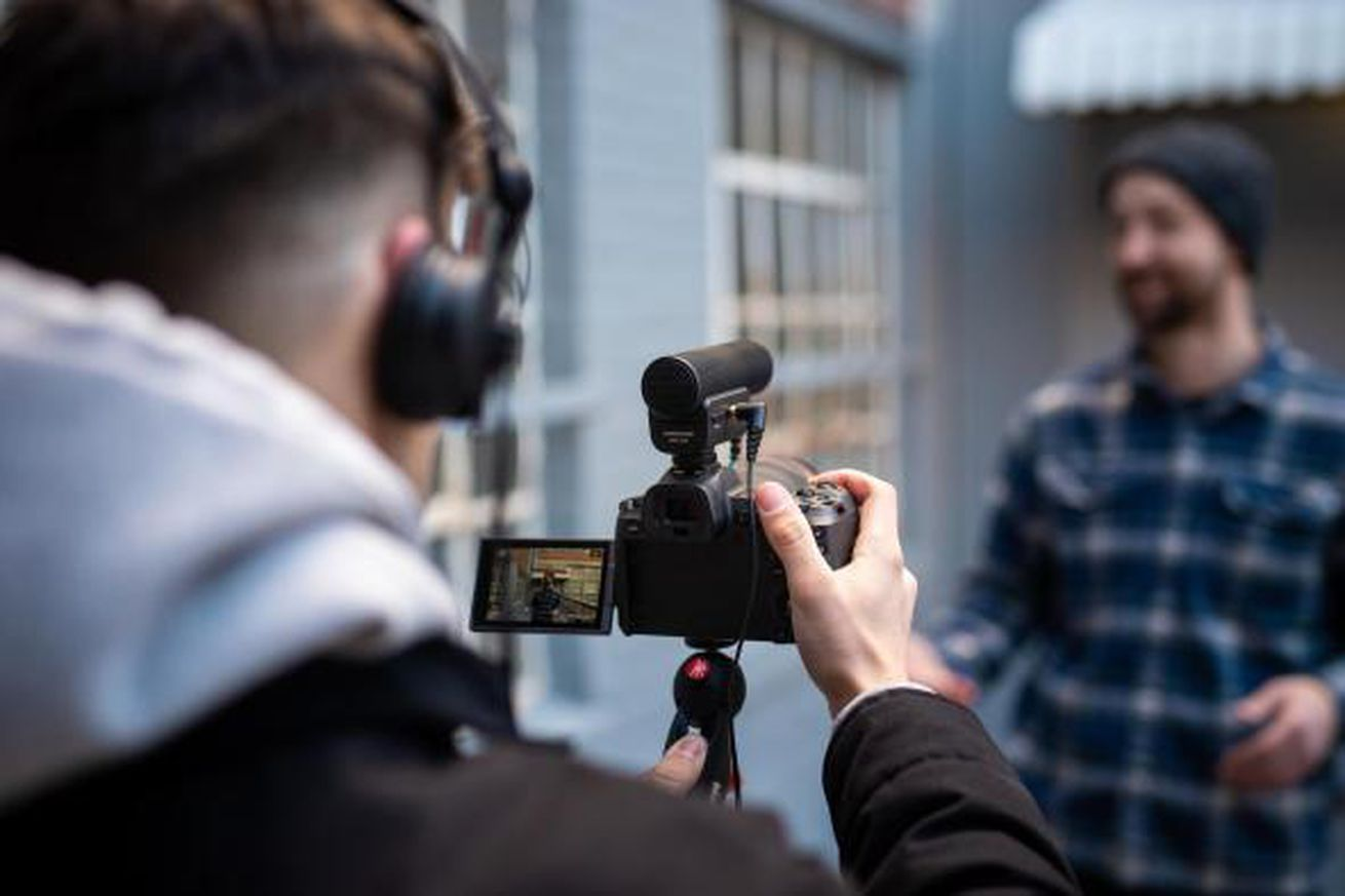 Sennheiser's new microphones play well with phones and cameras alike