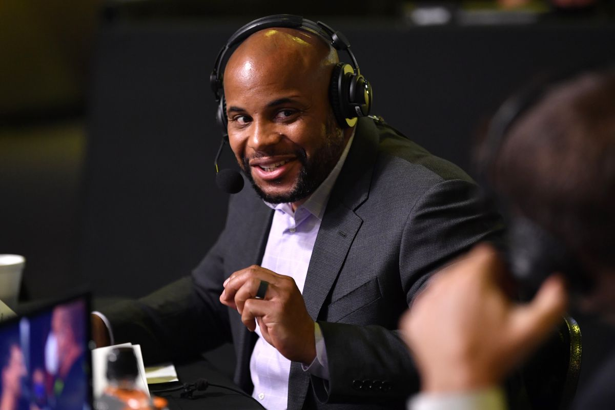 Daniel Cormier in 'very early conversations' with WWE over commentary gig - Bloody Elbow