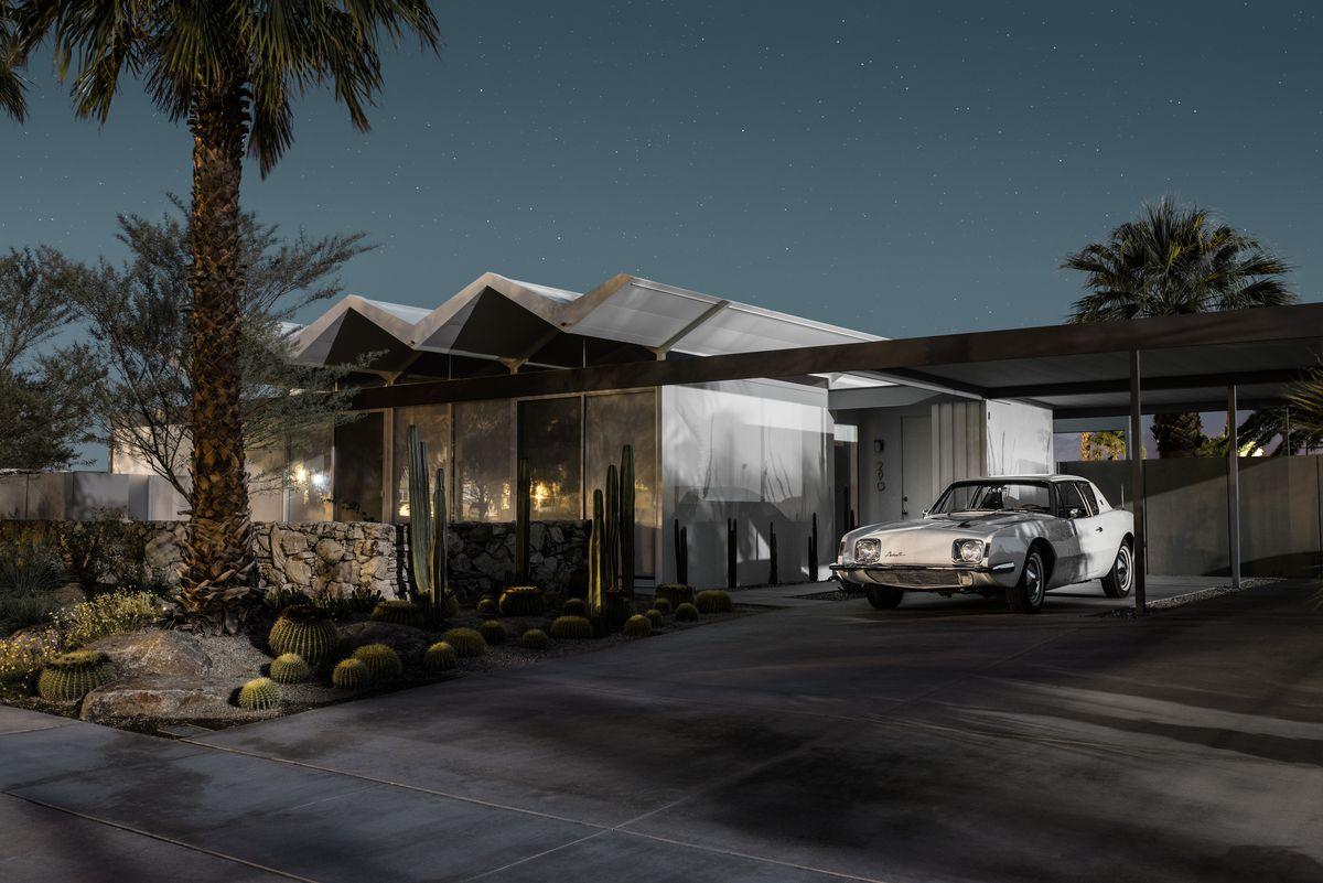 Midnight Modern Palm Springs