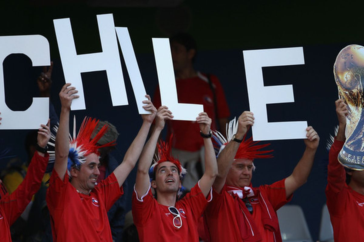 NELSPRUIT, SOUTH AFRICA - JUNE 16:  Keep the espero alive, Chile! (Photo by David Cannon/Getty Images)