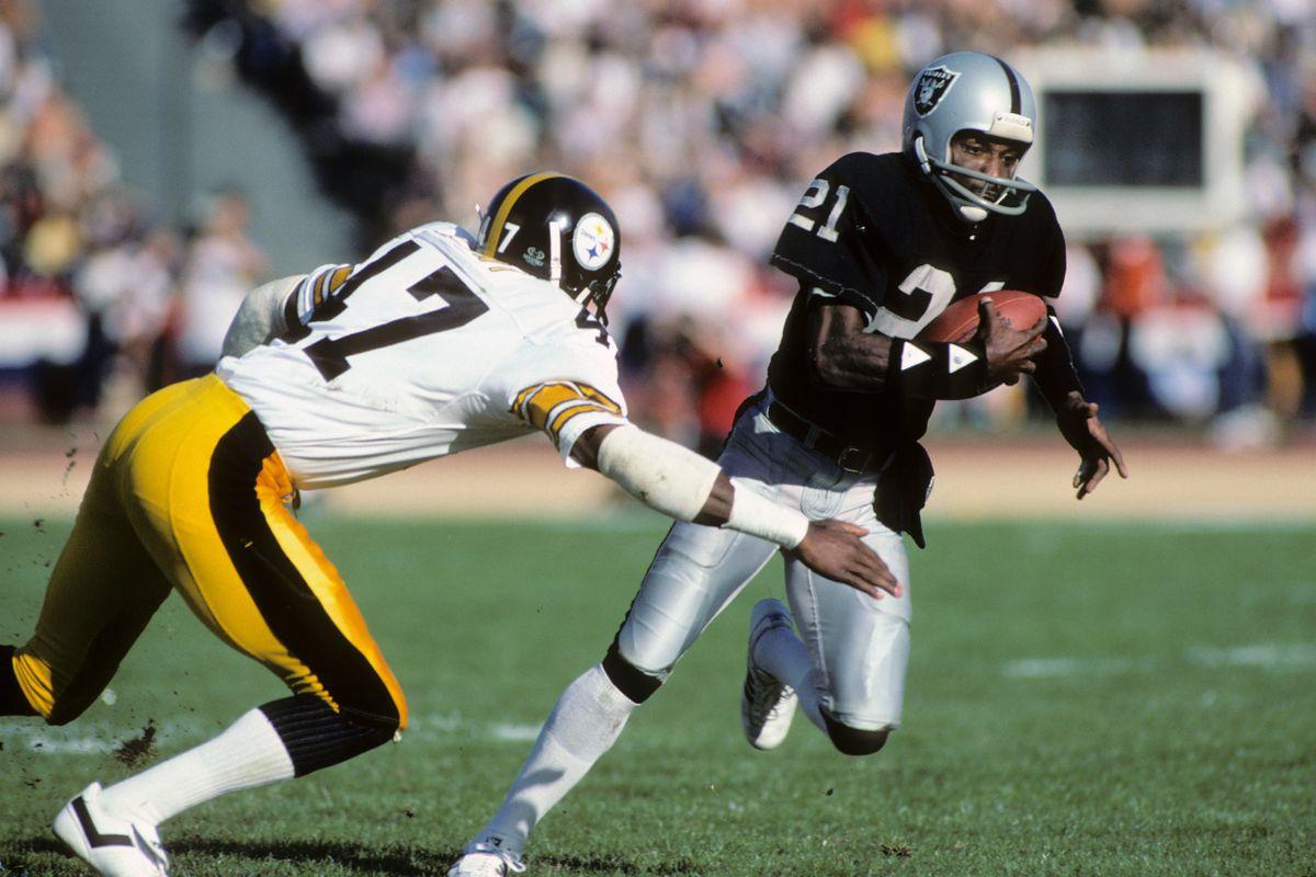 Pittsburgh Steelers v Los Angeles Raiders