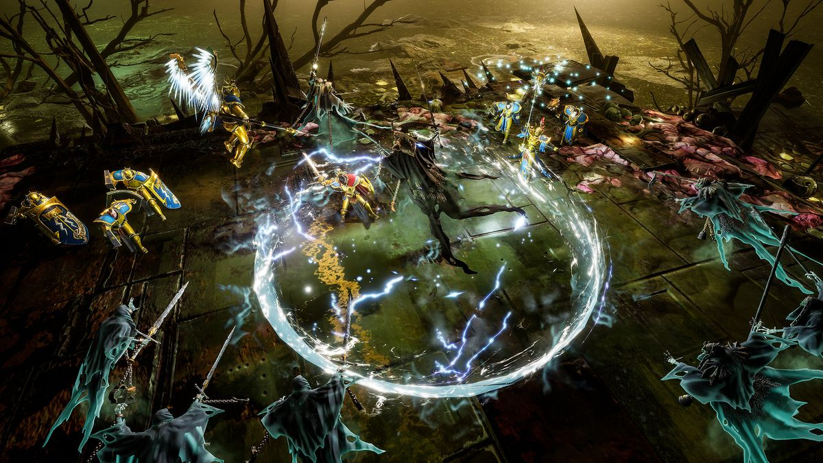A Nighthaunt boss lays into a group of Stormcast Eternals.