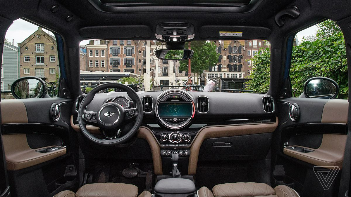 Screendrive Mini Cooper S Countryman Is The Ultimate 90s Gadget Verge