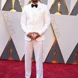 Common wears a white-on-white tux. Photo: Steve Granitz/Getty Images