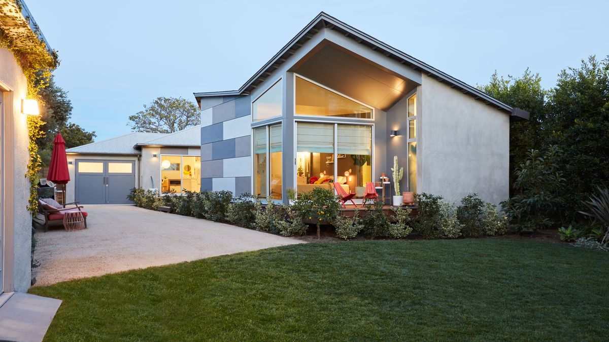 With A Renovation A Classic Bungalow Goes Indoor Outdoor In