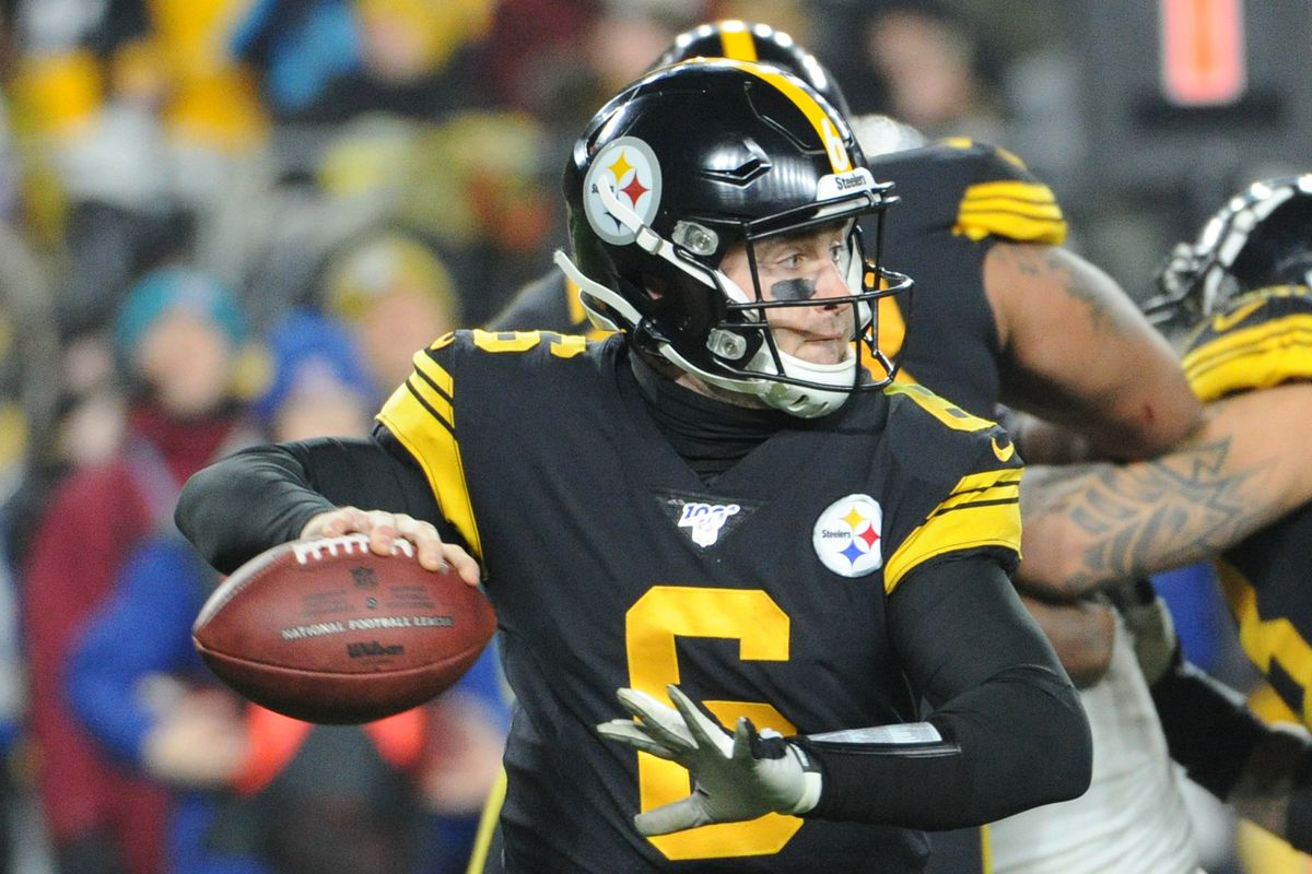 Pittsburgh Steelers quarterback Devlin Hodges looks for a receiver against the Buffalo Bills during the third quarter at Heinz Field. The Bills won 17-10.