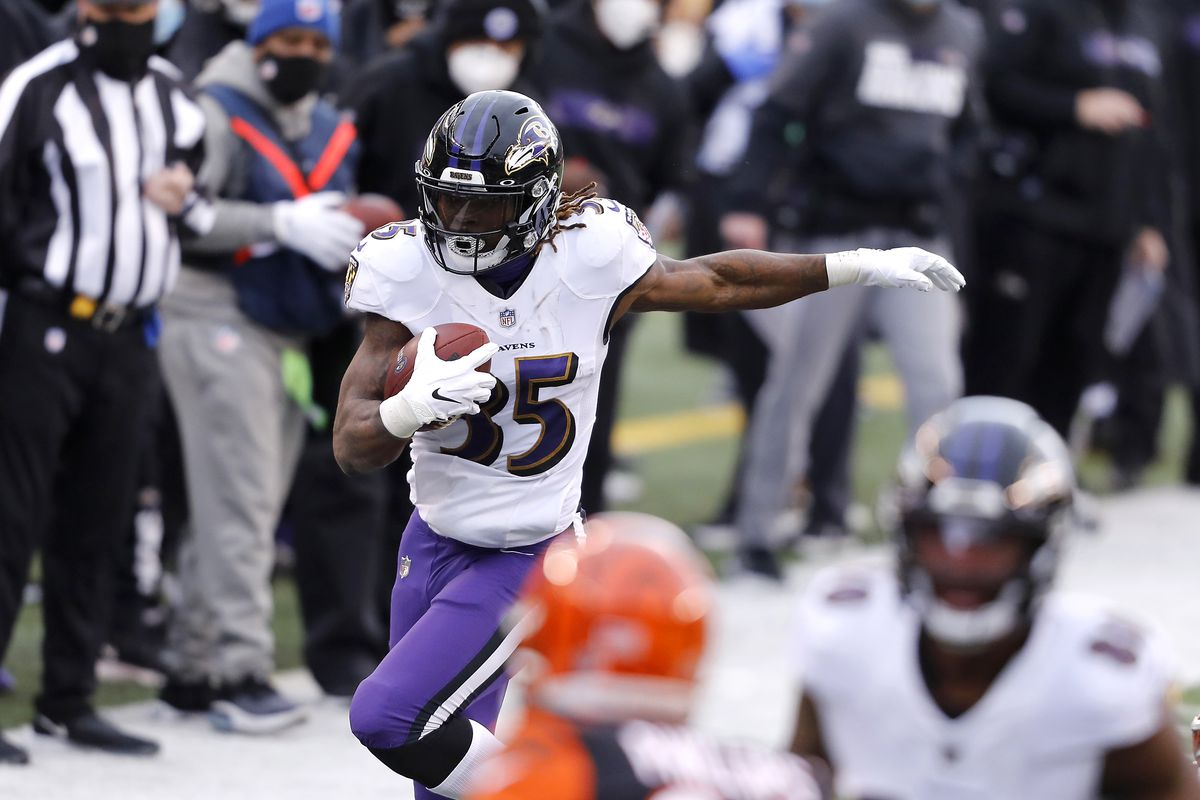 Baltimore Ravens running back Gus Edwards (35) during the first half against the Cincinnati Bengals at Paul Brown Stadium.