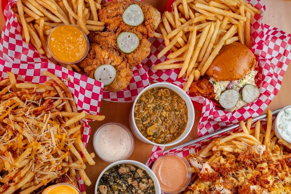 Chicken sandwiches, fingers, cheesy fries, and chili, now available at North Town Chicken.