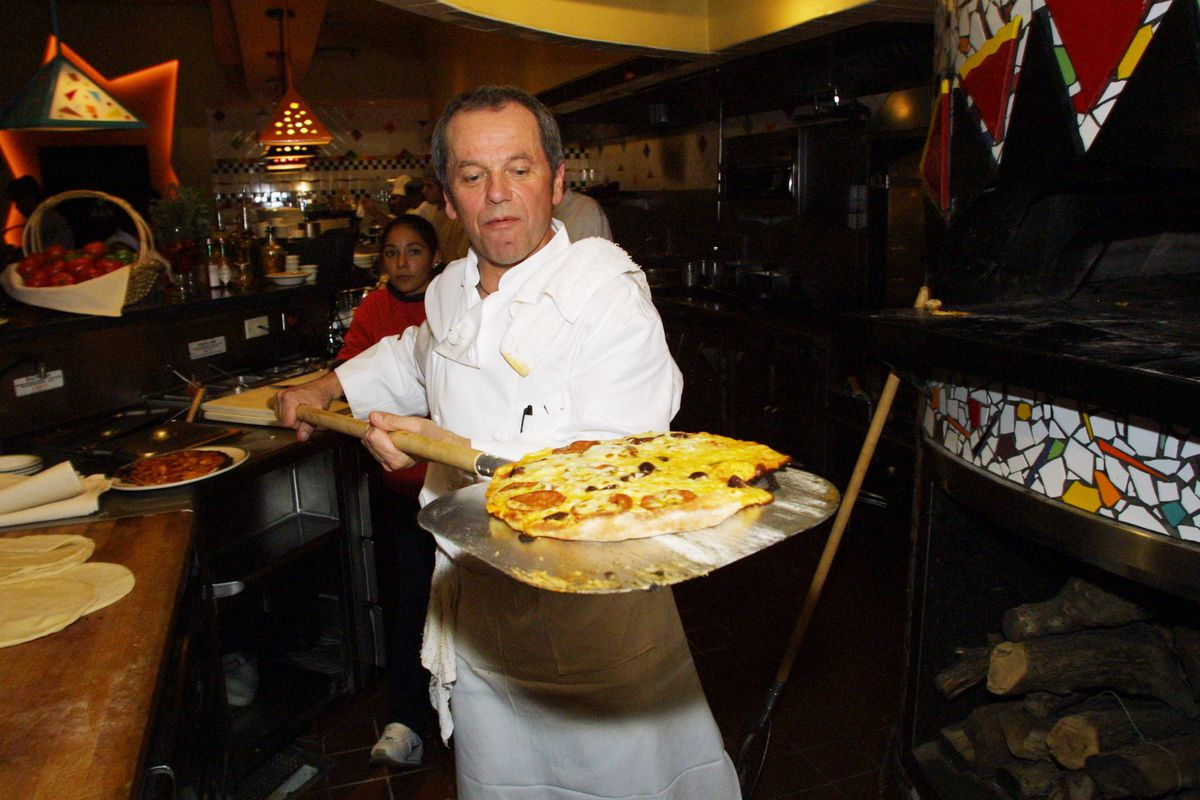 Chef Wolfgang Puck Teaches Kids How To Make Pizza