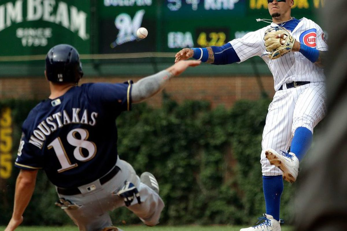 new style 65c25 7df31 Mike Moustakas contract: Brewers re-sign infielder to 1-year ...