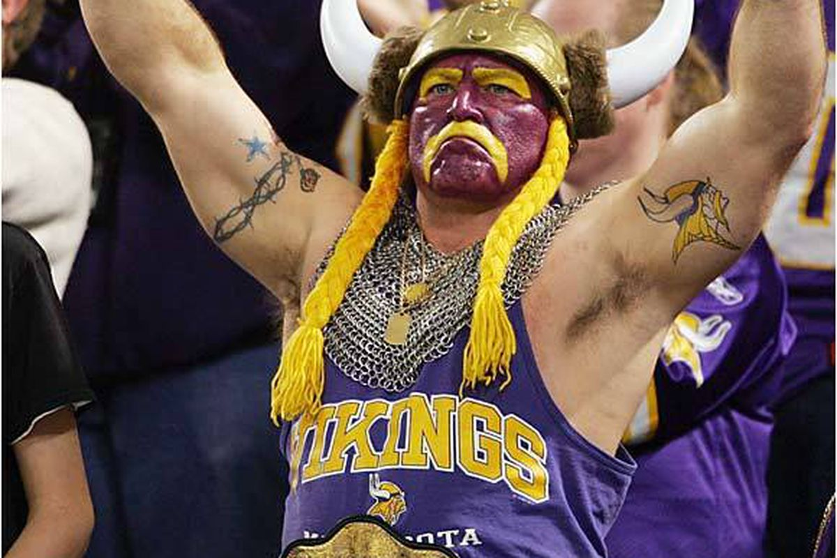 Syd Davy Is The Minnesota Vikings Boldest Fan Daily Norseman