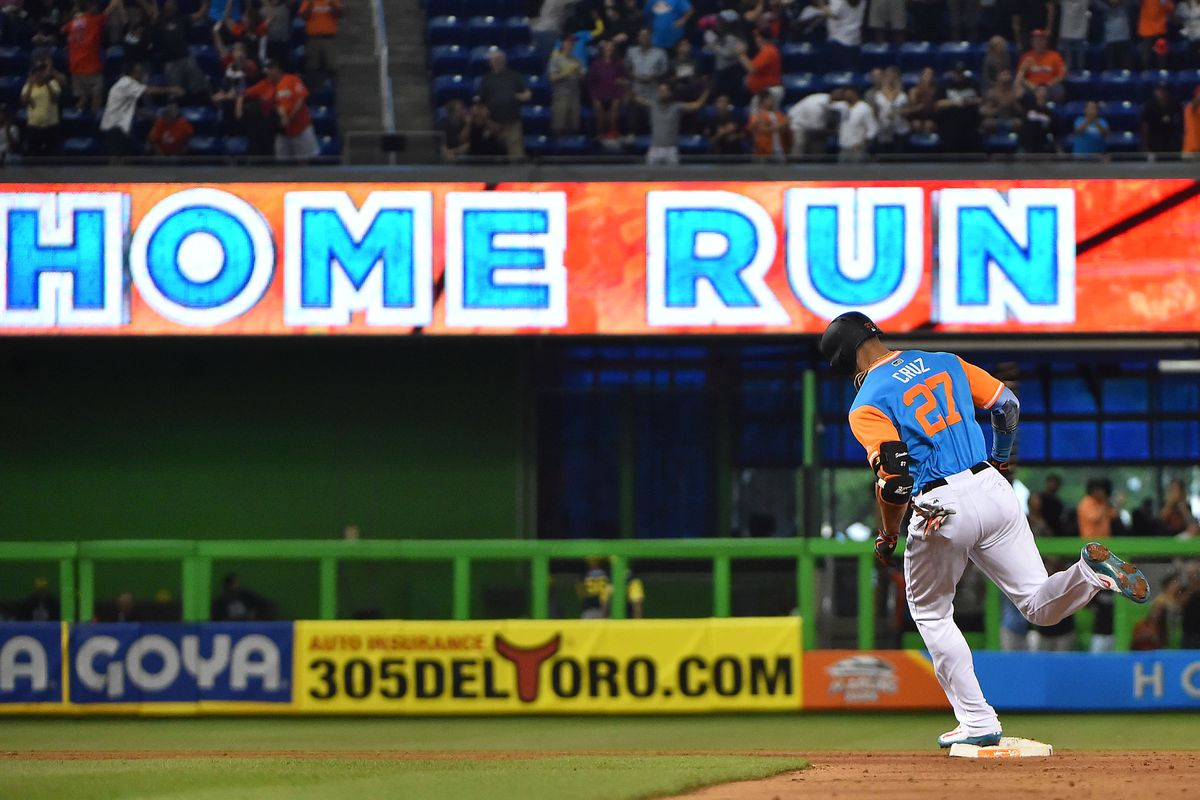 Richard homers, gives up Stanton's 50th in loss