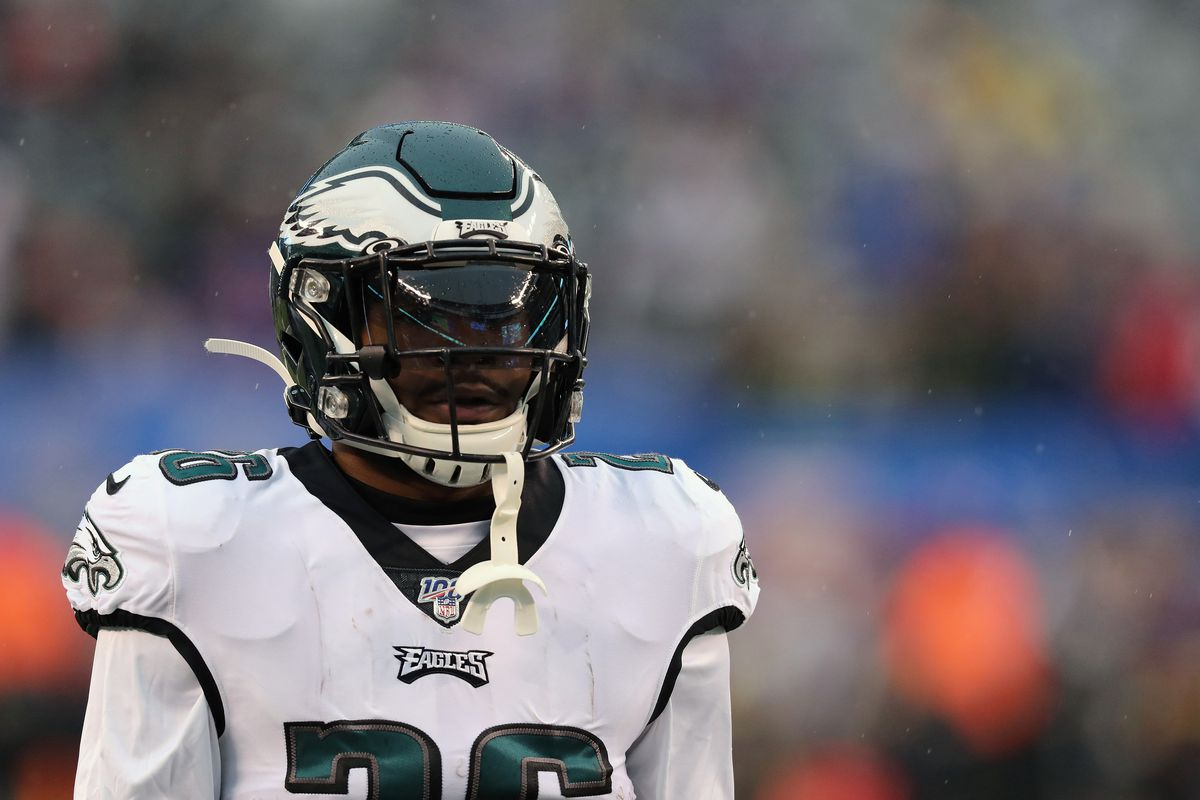 Running Back Miles Sanders #26 of the Philadelphia Eagles follows the action against the New York Giants in the rain in the first half at MetLife Stadium on December 29, 2019 in East Rutherford, New Jersey.