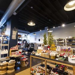 Planet Access, in Lincoln Square. | Tyler LaRiviere/Sun-Times