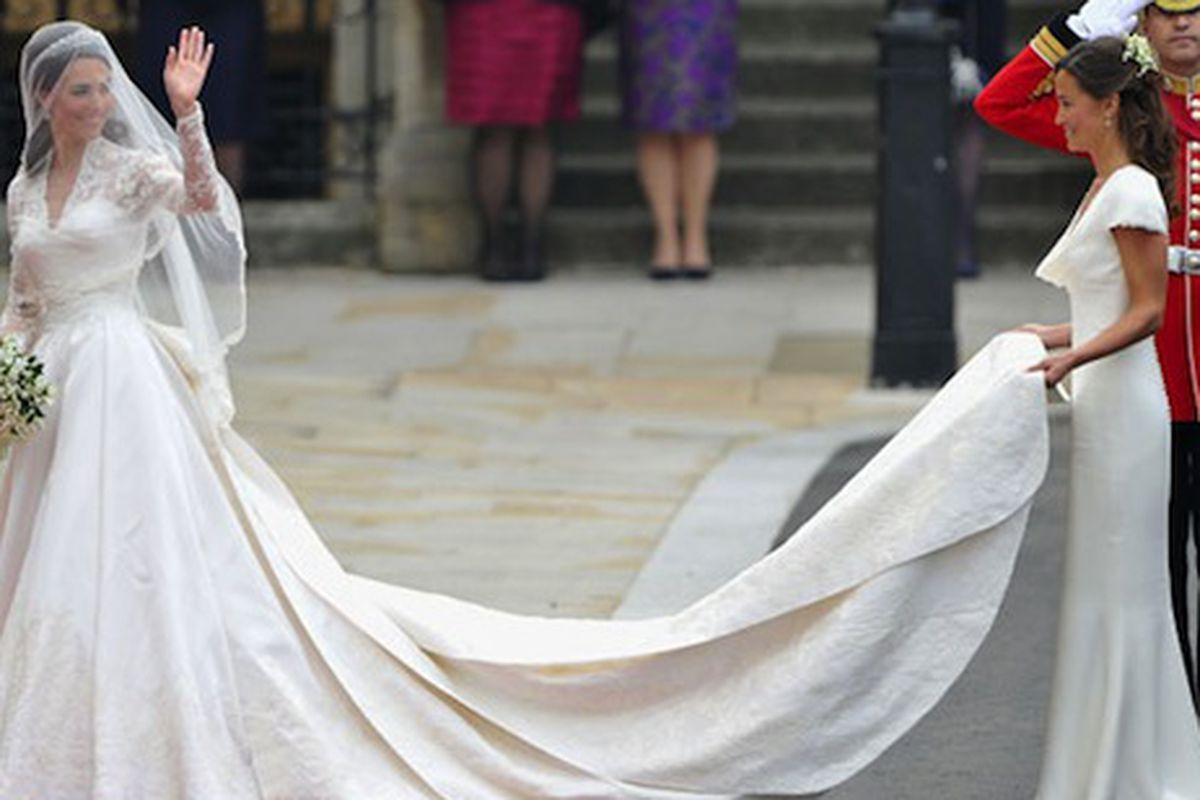 Brides Can Now Have Princess Kate\'s Wedding Gown Made to Order With ...