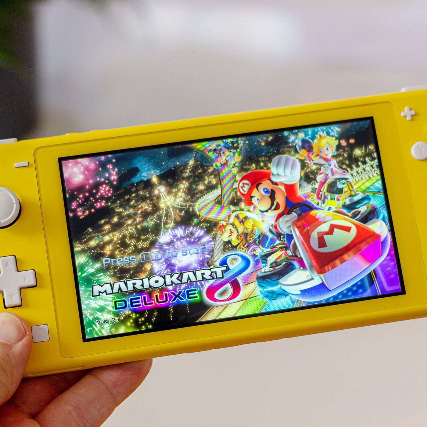 Nintendo Switch Lite Review A Small Console A Big Change