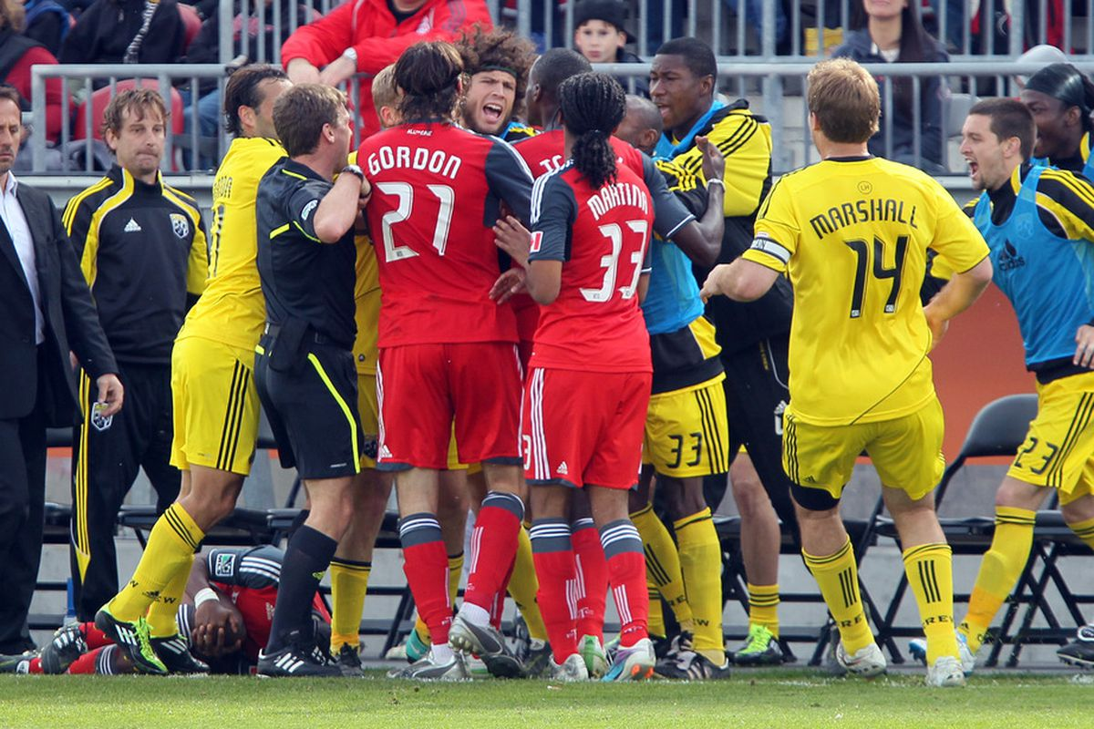 Stand behind the two big men and chirp.  That's good fighting javier!