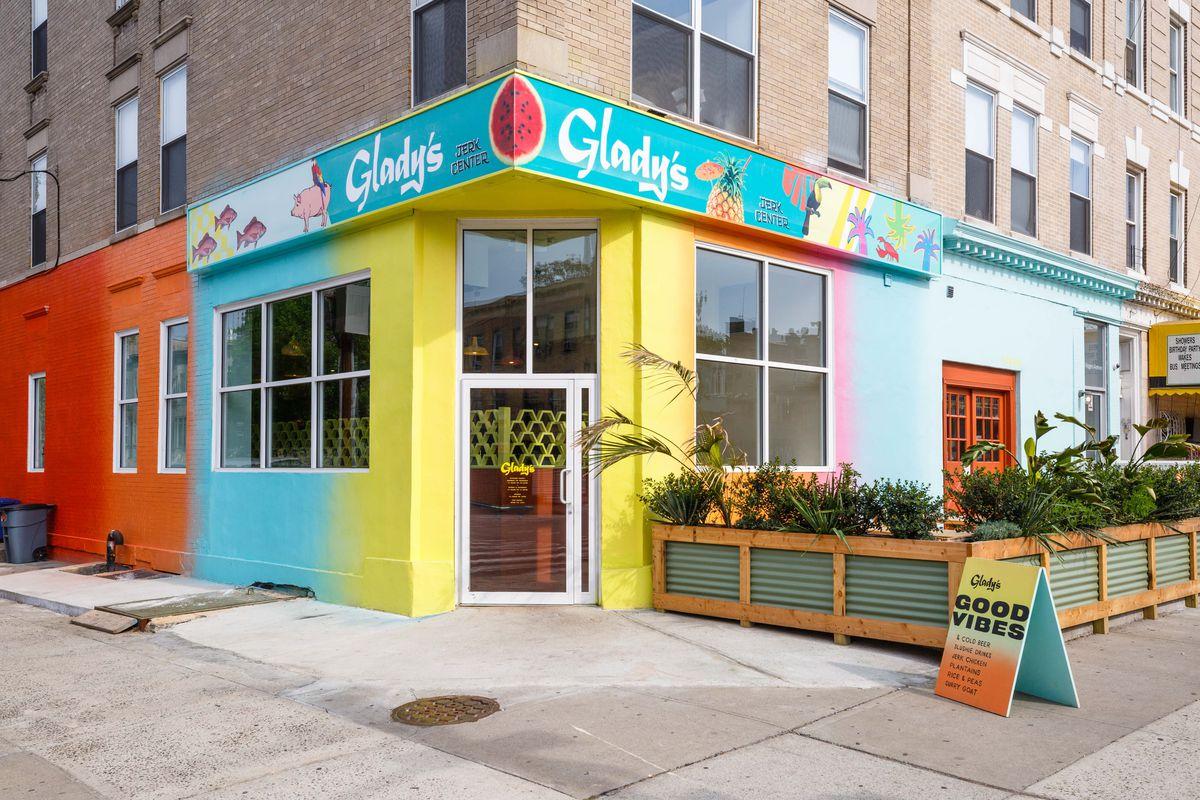 Glady's Jerk Center