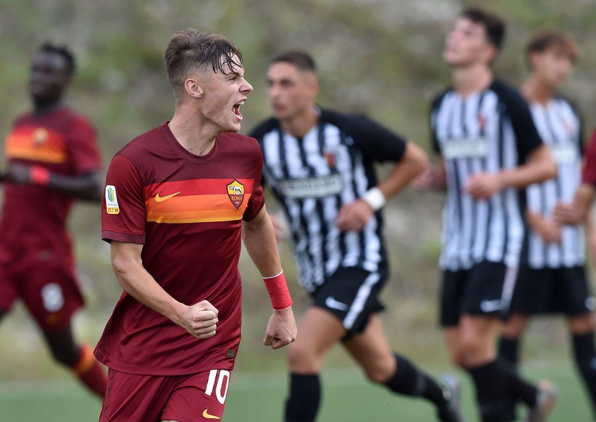 Ascoli Calcio U19 v AS Roma U19 - Primavera 1
