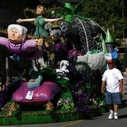 The Murray City float wins the Brigham Young Award in the Days of '47 Parade in Salt Lake City on Saturday.