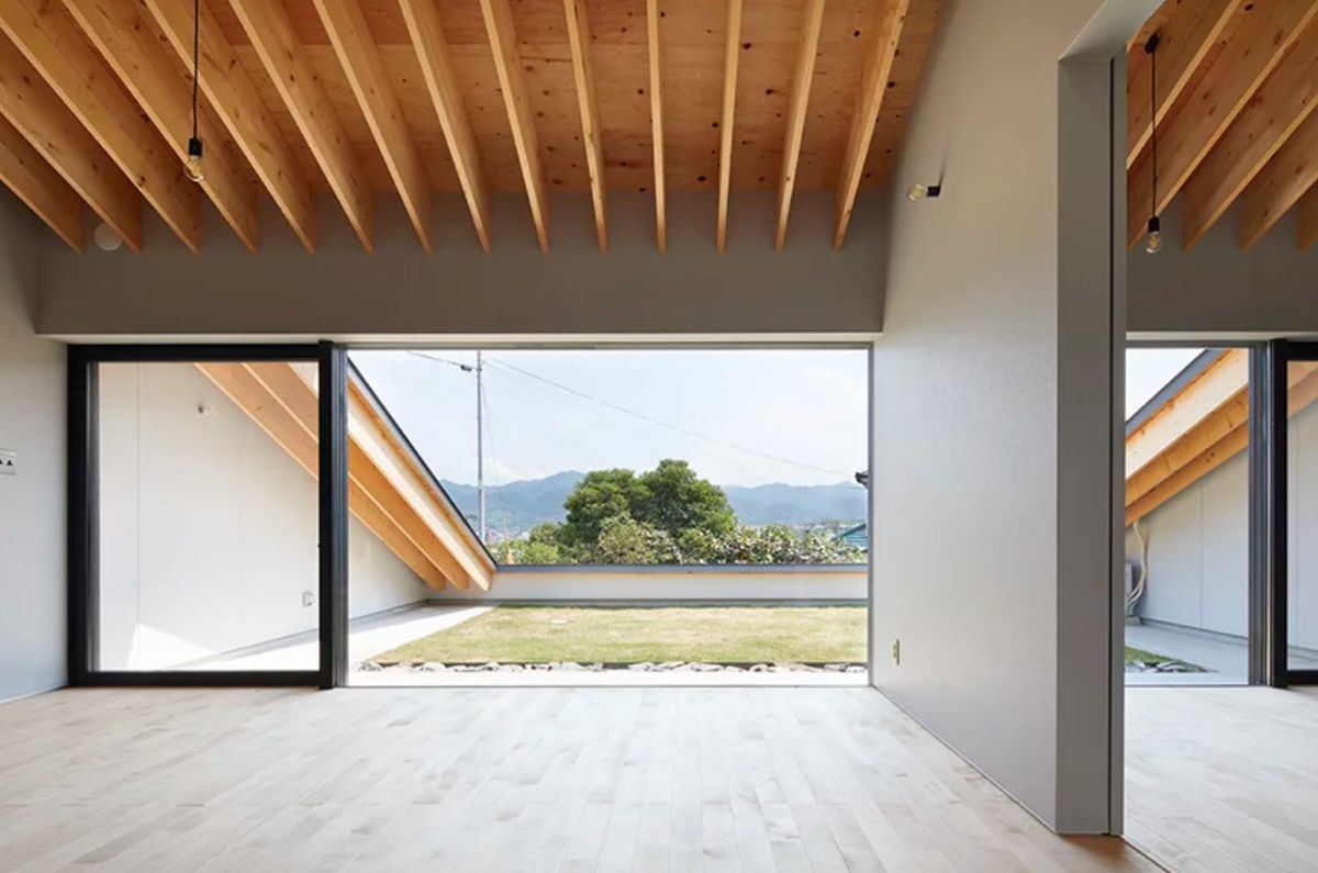 Modern House In Japan Has A Climbable Roof Curbed