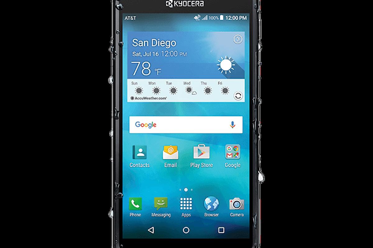 reputable site c7e14 f088e Beach Fight: Kyocera's $80 waterproof phone vs. a waterproof phone ...
