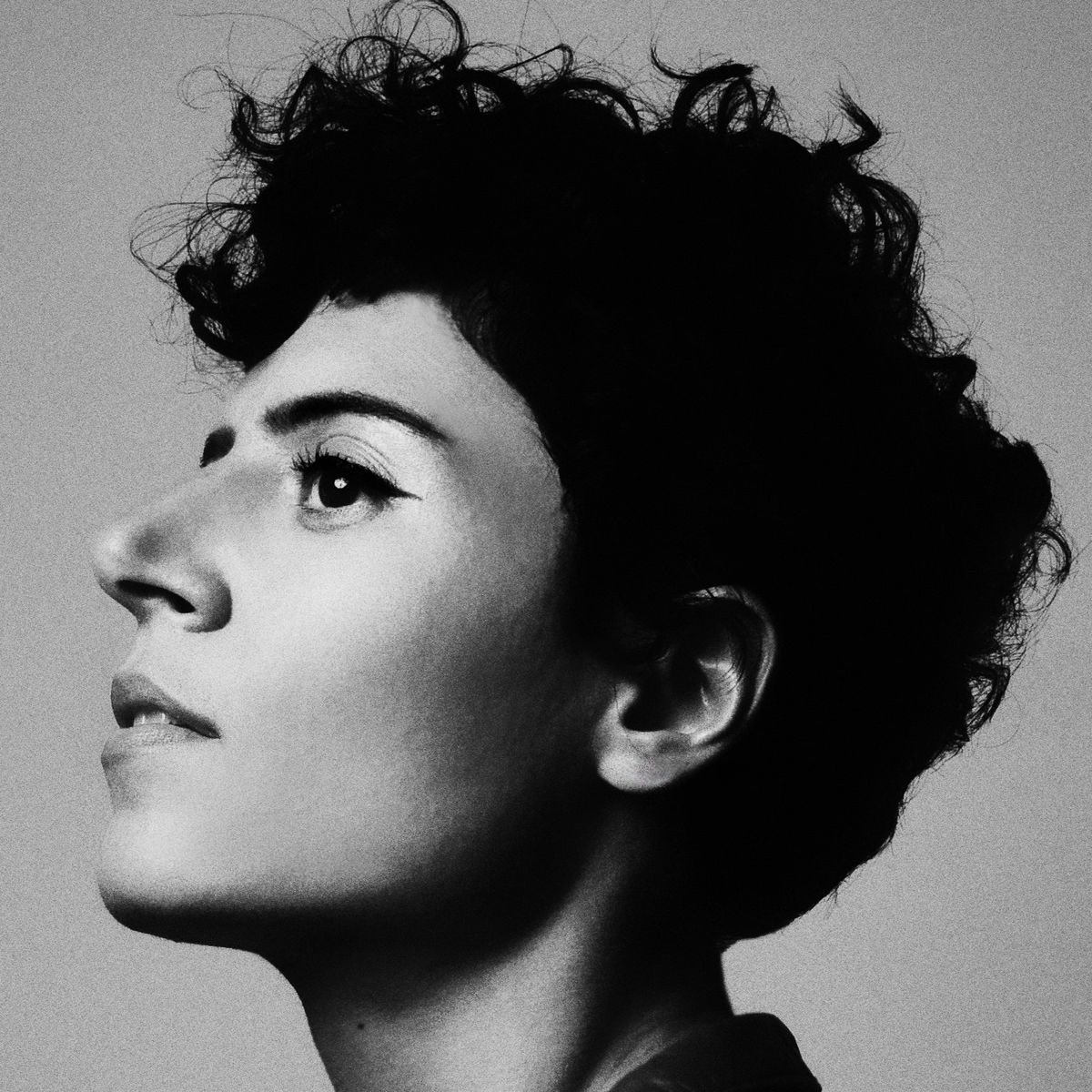With a calm mix of jazz greats like Sarah Vaughn, the breezy R&B pop stylings of the xx and Sade and the songwriting consciousness of a young Joni Mitchell, Emily King has become a Queen of new indie.
