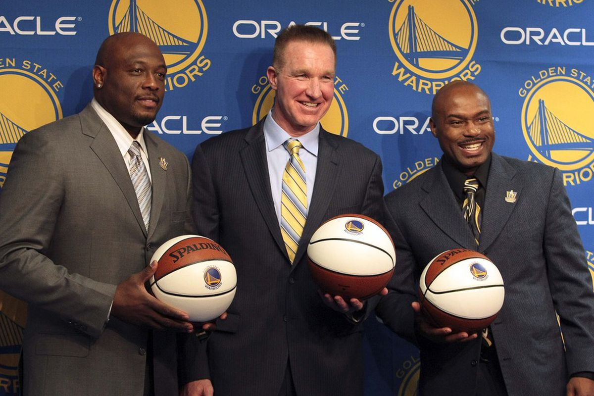 Hardaway (right) with Mitch Richmond (left) and Chris Mullen