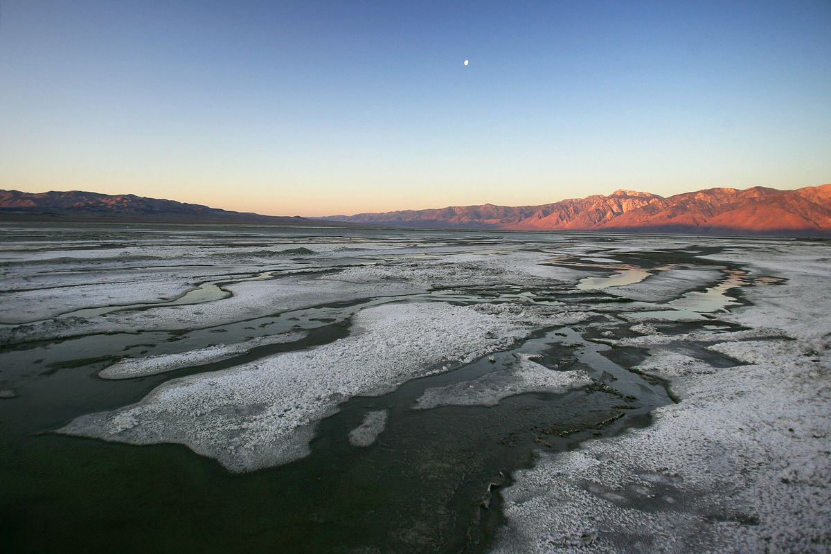 Los Angeles Tries To Reverse Desertification Of Owens Lake