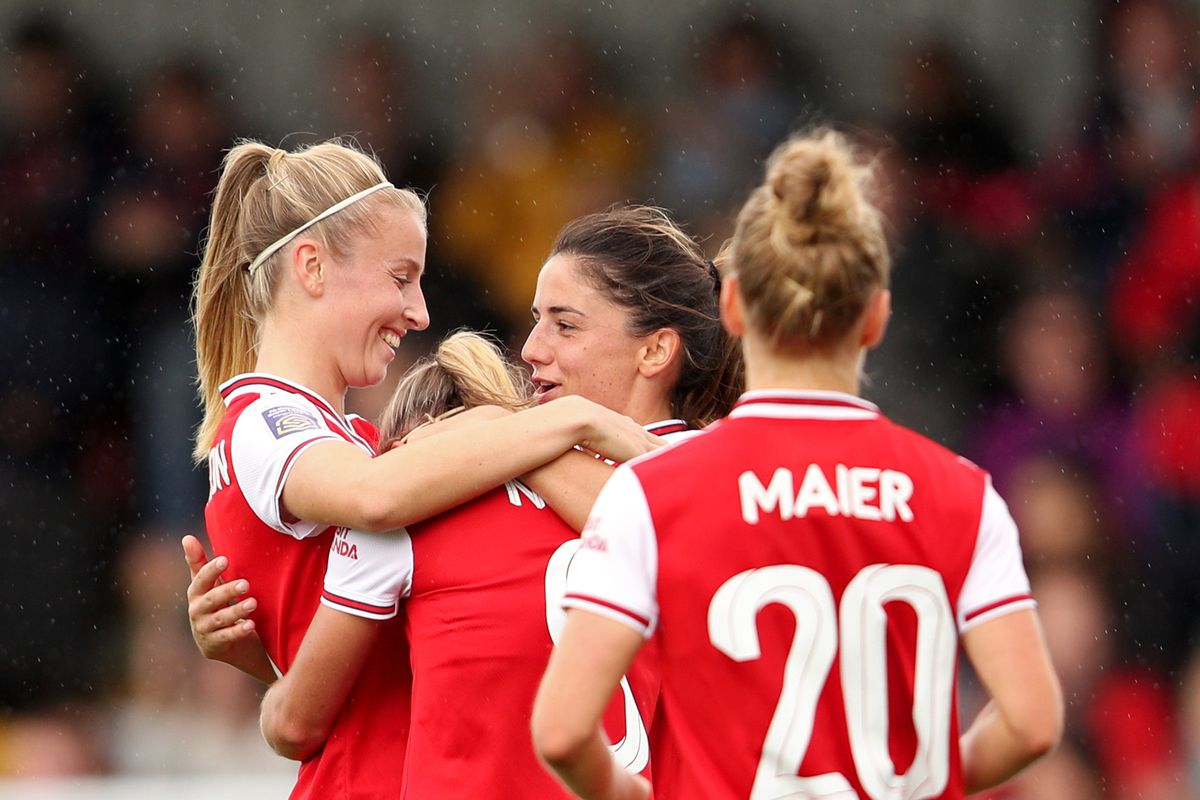Arsenal Go Top Of Wsl After 4 0 Win Against Brighton The