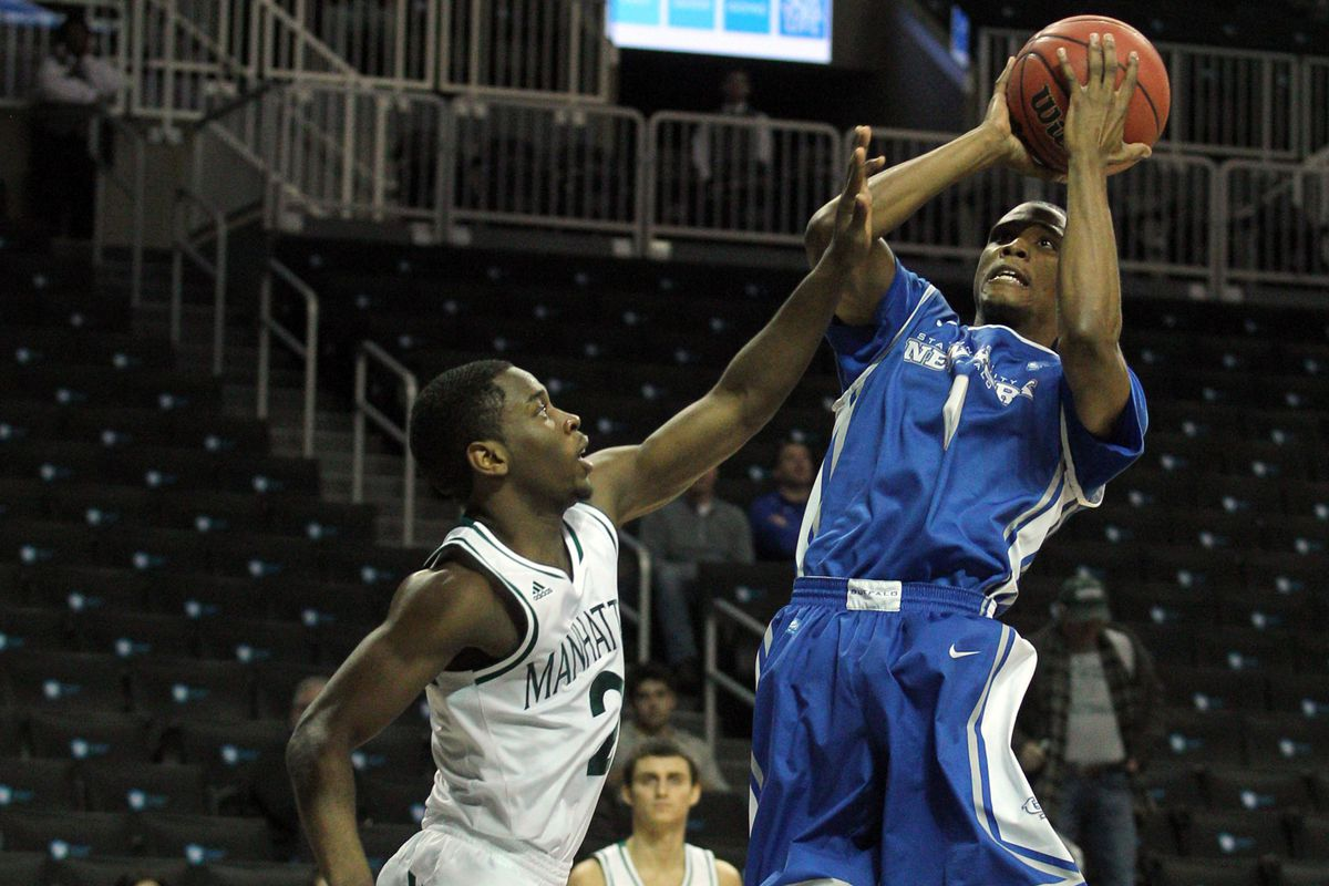 Joshua Freelove's big threes went for naught as the Bulls fell to Bowling Green on Sunday.