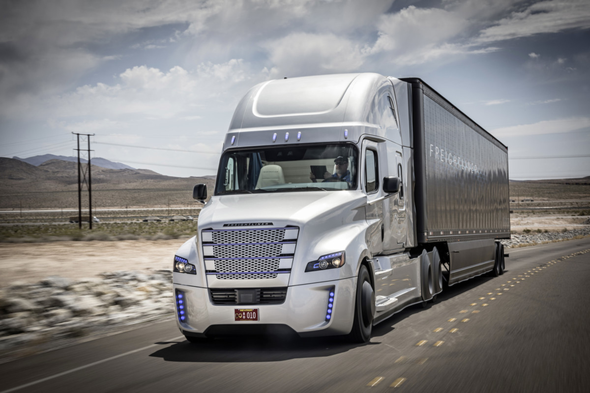 This Is The First Licensed Self Driving Truck There Will Be Many Freightliner Fuel Filters Inspiration Semi Autonomous To Get A License Drive On Public Highways