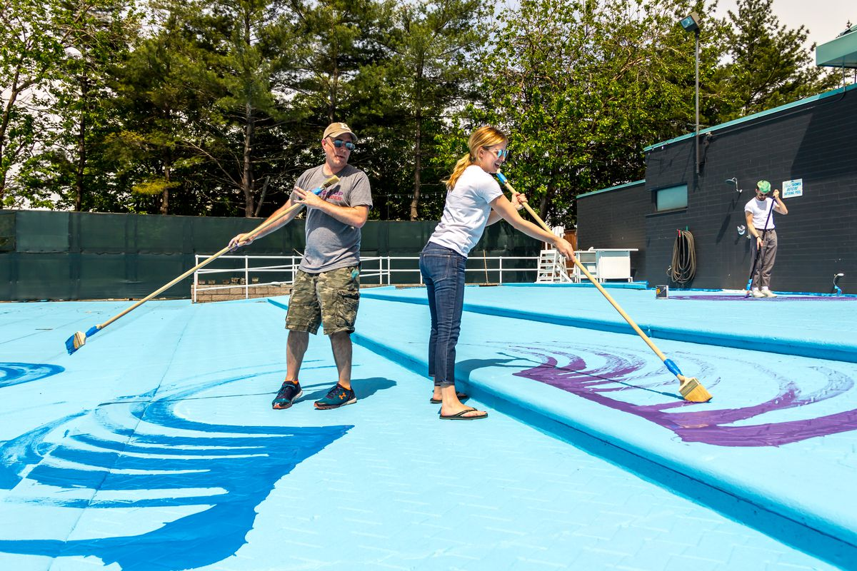 Colorful pop up pools return to brooklyn bridge park roosevelt island curbed ny for Manhattan public swimming pools