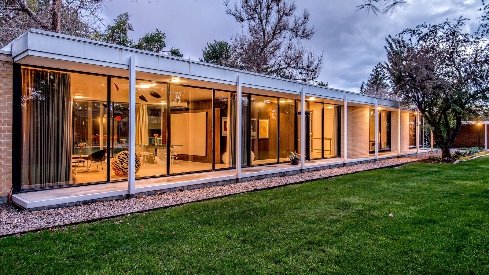 Midcentury Home Architect 39 S Own Glass Box Gem Asks 825k Curbed
