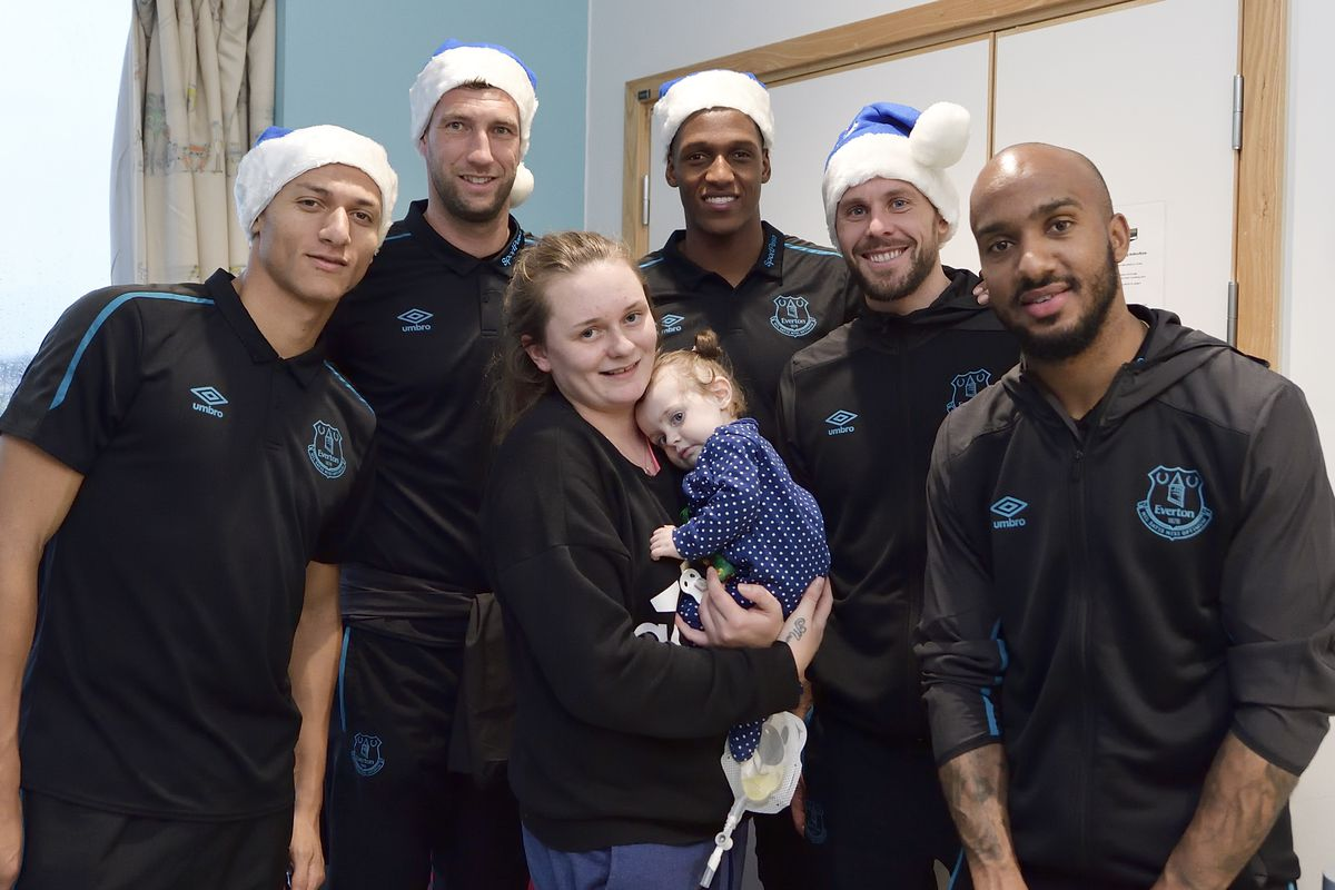 Everton Players Deliver Christmas Presents to Patients at Alder Hey Hospital