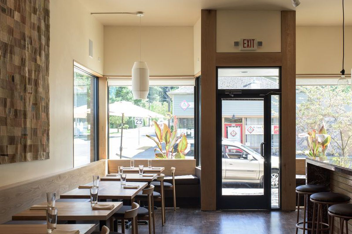 The Oregonian Plays It Safe Announcing Coquine As 2016