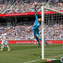 June 2, 2019 - Saint Paul, Minnesota, United States - Minnesota United goalkeeper Vito Mannone (1) tips the ball over the crossbar during the Minnesota United vs Philadelphia Union match at Allianz Field.