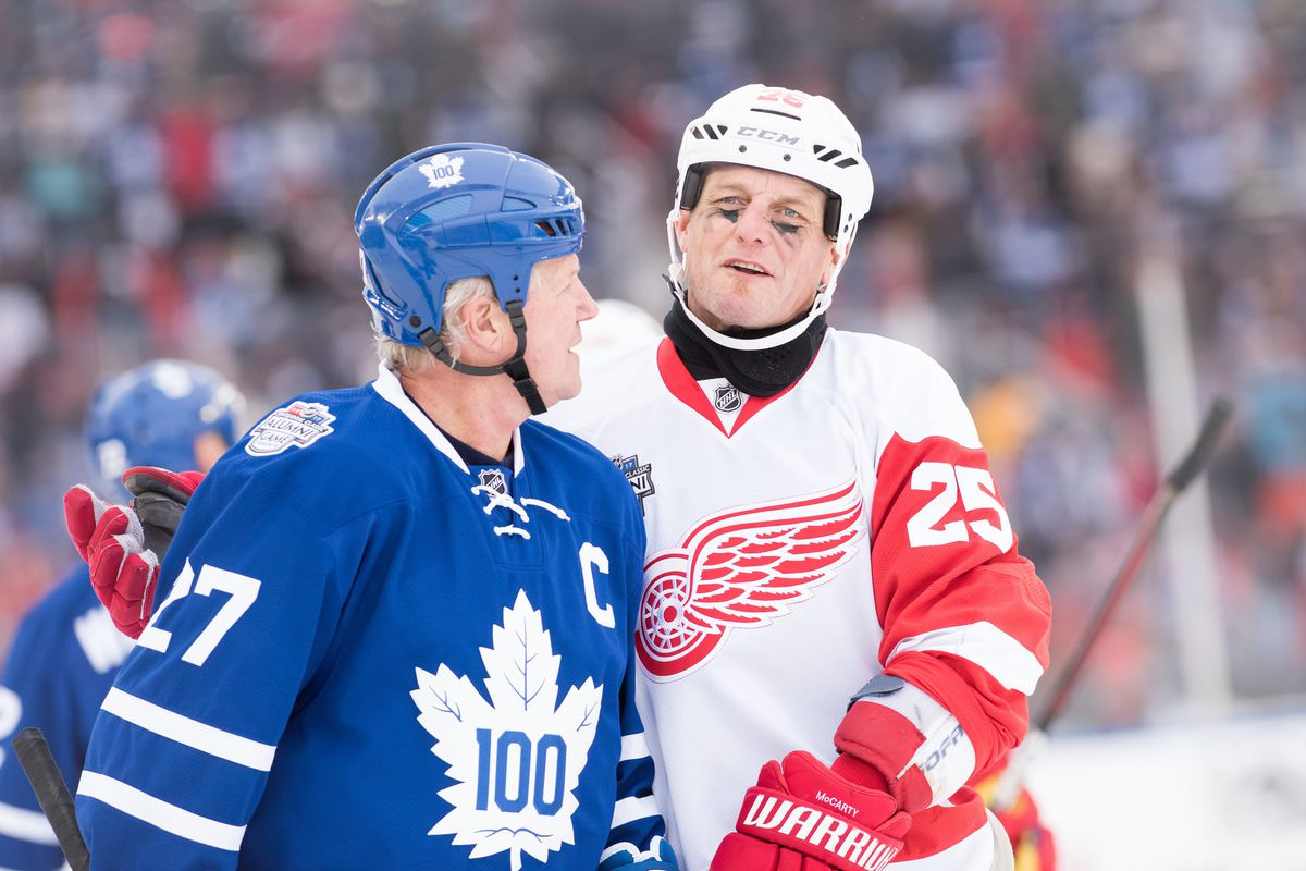 NHL: DEC 31 Centennial Classic Alumni - Red Wings at Maple Leafs