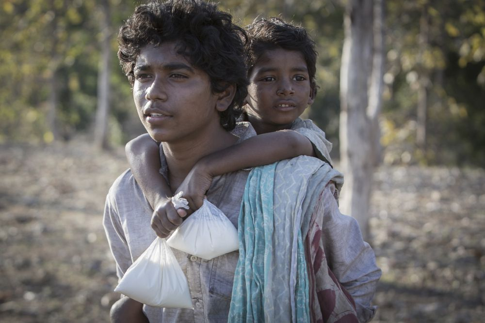 Sunny Pawar and Abhishek Bharate in Lion