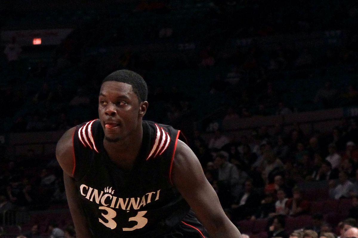 Big East Basketball Tournament - Cincinnati v Louisville