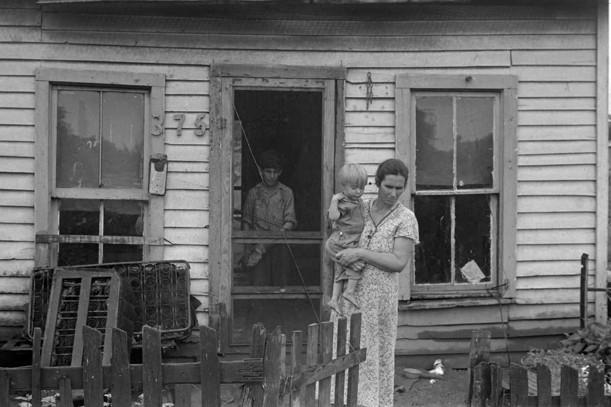 Dweller in Circleville's Hooverville, 1938