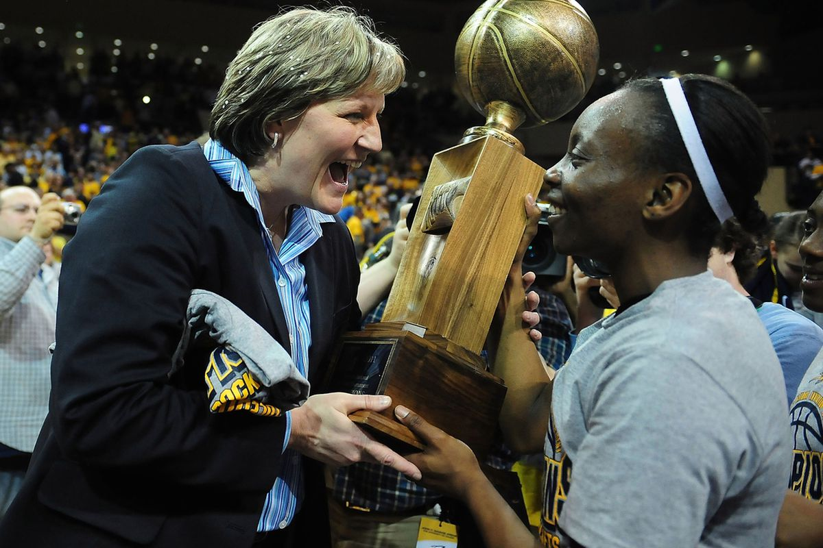 After a flirtation with the Ohio State job, Tricia Cullop will stay in Toledo.
